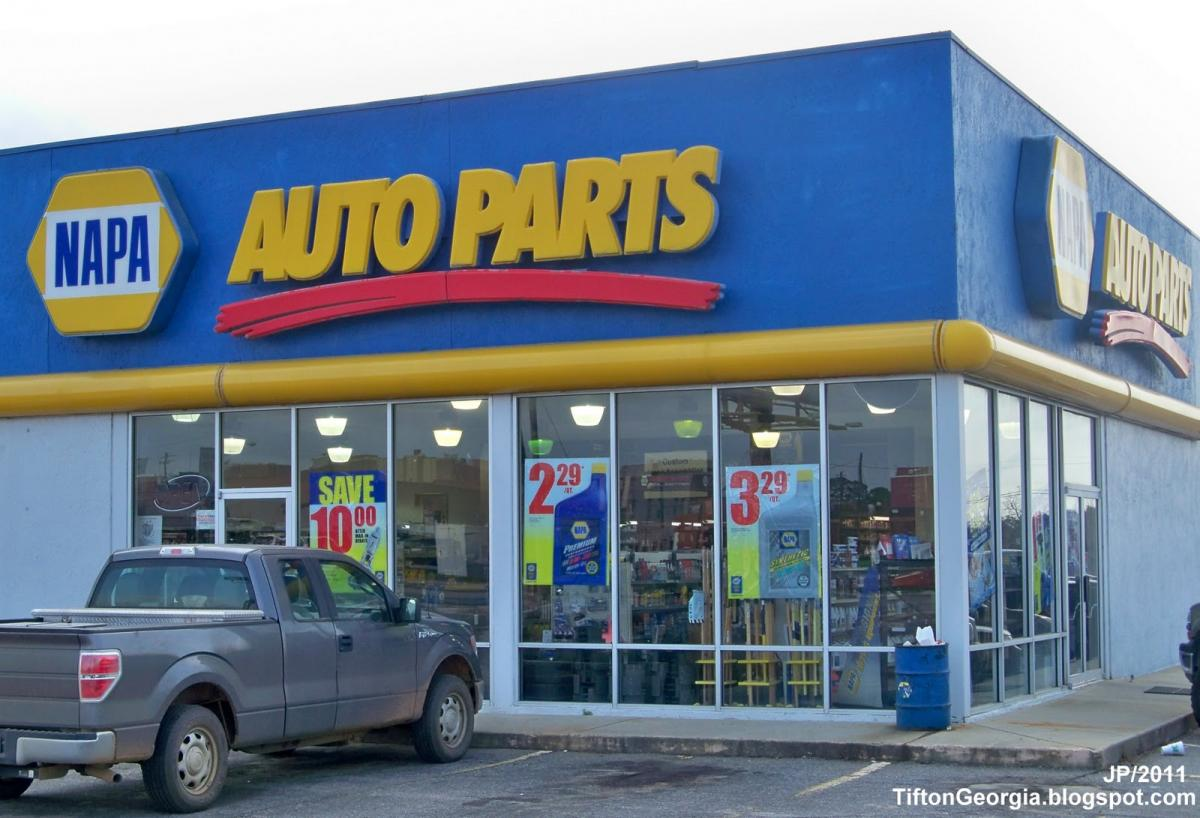 Auto Parts Outlet junkyard is located in Nitro (West Virginia). It provides car parts to its customers. Find here all CONTACT INFO on this wrecking yard.